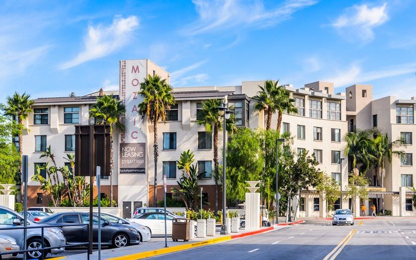 Here's how much you need to earn to rent a 2-bedroom apartment in 15 of America's biggest cities